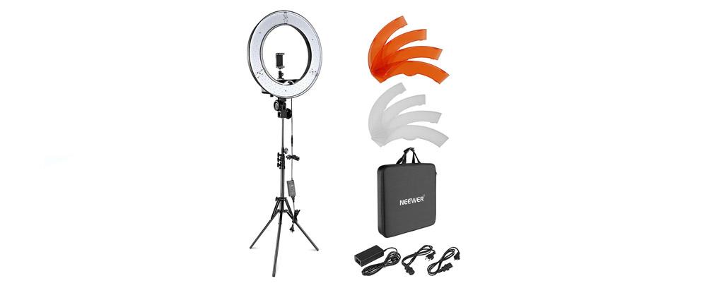 Luce-ad-anello-per-vlogger